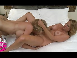 Amateur Babe Hot Lesbian Pussy Shaved Teen